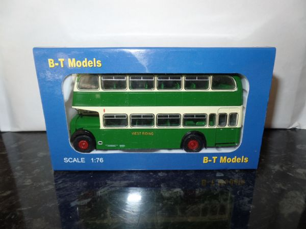 B T Models B105B 1/76 OO Scale Bristol Lodekka LD Bus Closed Back West Riding Wakefield